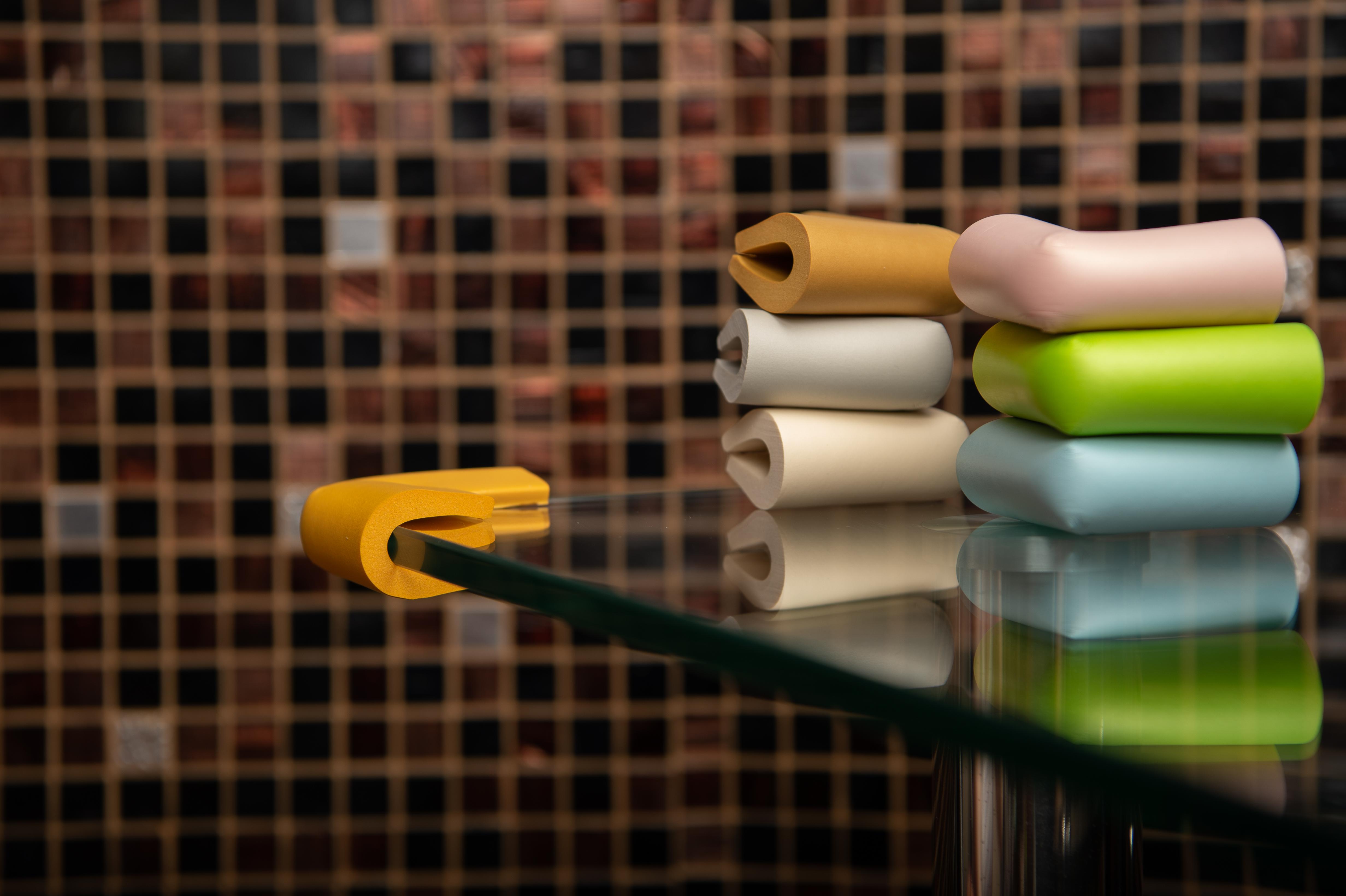 Varietate de culori pentru coltare de protectie pentru mobilier