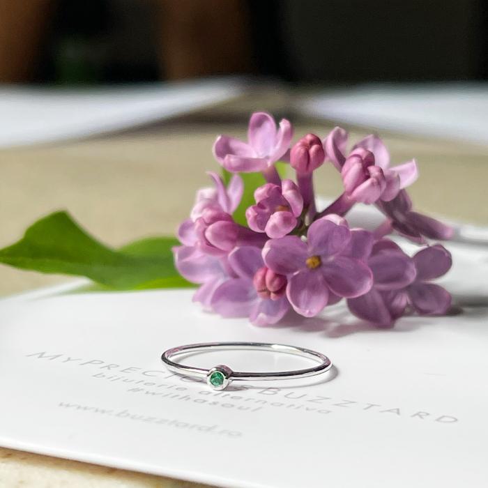 Inel Fire din poveste cu smarald natural 1,5 mm - aur 14k [0]
