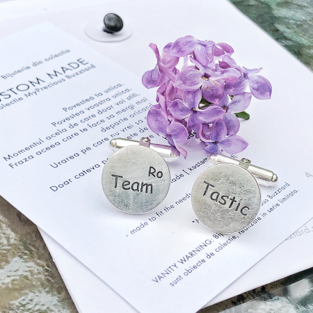 Butoni Custom Made cu ban personalizat text - argint 9252
