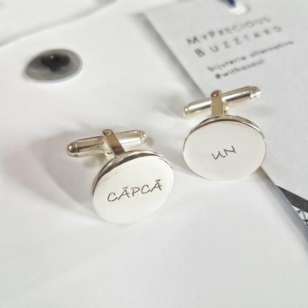 Butoni Custom Made cu ban personalizat text - argint 9251