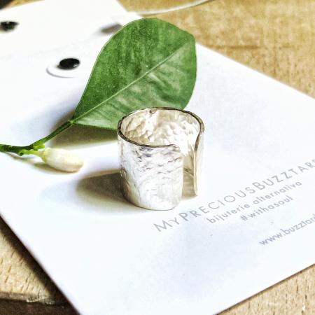Inel Fire din poveste ciocanit, deschis - argint 9250