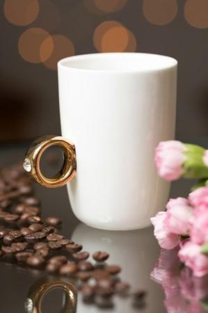 Cana alba cu inel suflat cu aur de 2 karate si cristal, 270 ml [7]