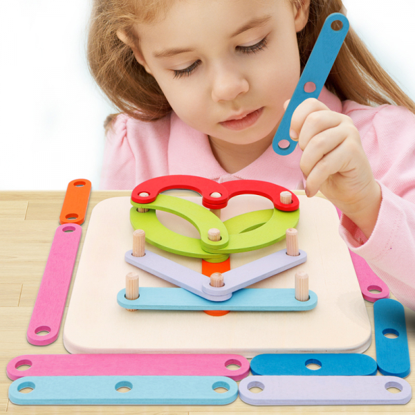 Joc Montessori placa Geoboard din lemn. 0