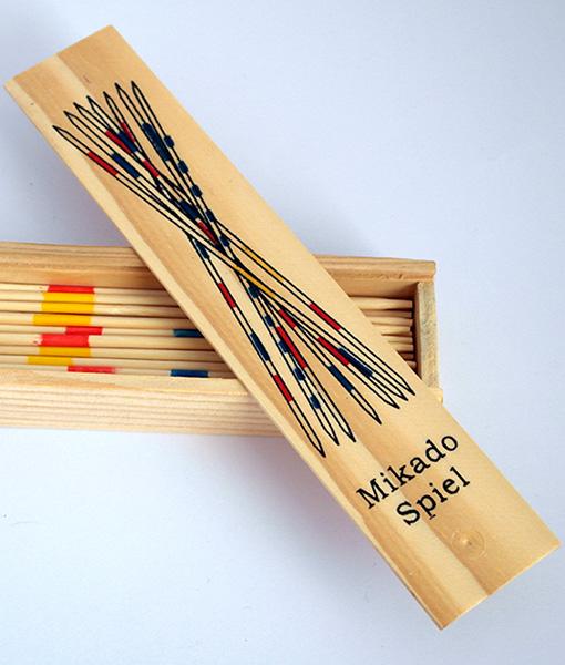 Joc cu bete si cutie  din lemn Mikado Spiel 4
