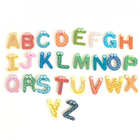 Litere colorate din lemn cu magnet [0]