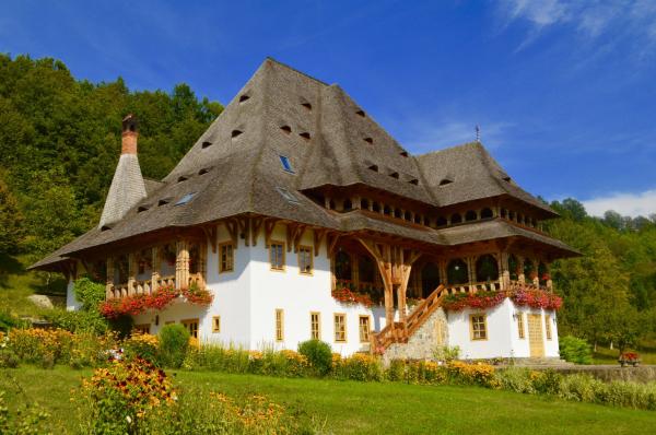 Puzzle-Mănăstirea Bârsana (48 de piese) 0