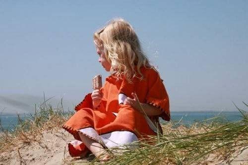 Poncho pentru plaja UPF 50+ Buburuza - Littlelife 1