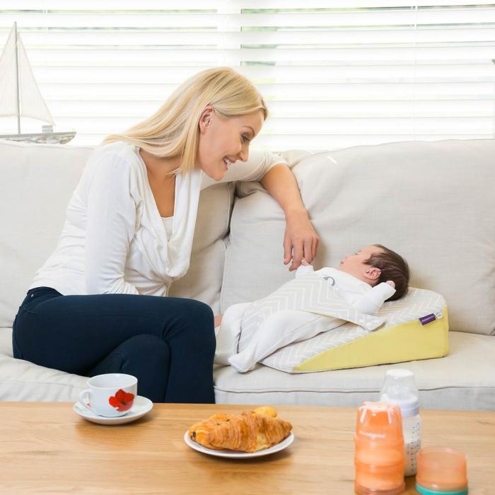 Saltea anti-alunecare cu ham pentru bebelusi Clevamama 4