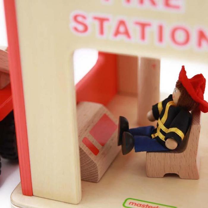 Statie de pompieri de jucarie, din lemn, +3 ani, Masterkidz, pentru gradinite 2