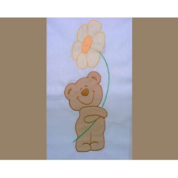 Lenjerie patut cu broderie Hubners Ursuletul Florar 4 piese crem1