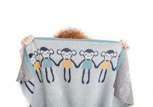 Paturica Tricotata din Bumbac Gri cu Maimute Colorate - Bizzi Growin [1]