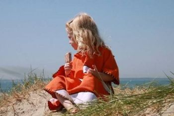 Poncho pentru plaja UPF 50+ Buburuza - Littlelife1