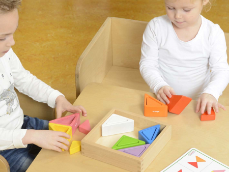 Set educativ prisme triunghiulare si triunghiuri-recipient, din lemn, +2 ani, Masterkidz, pentru gradinite2