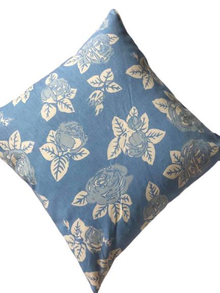 Perna 50x50cm Bleu cu Trandafiri 0