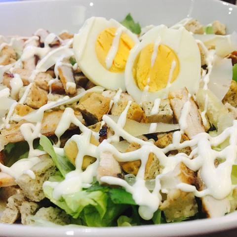 Salata Caesar 0
