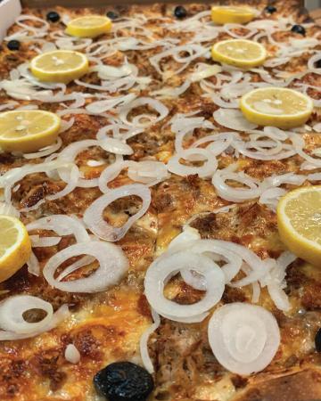 Pizza Family - Tonno1