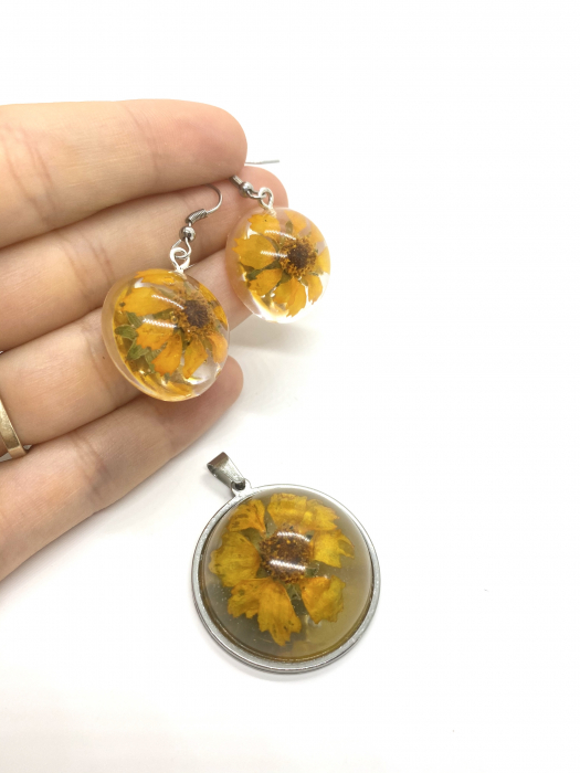 Set de bijuterii cu flori [1]