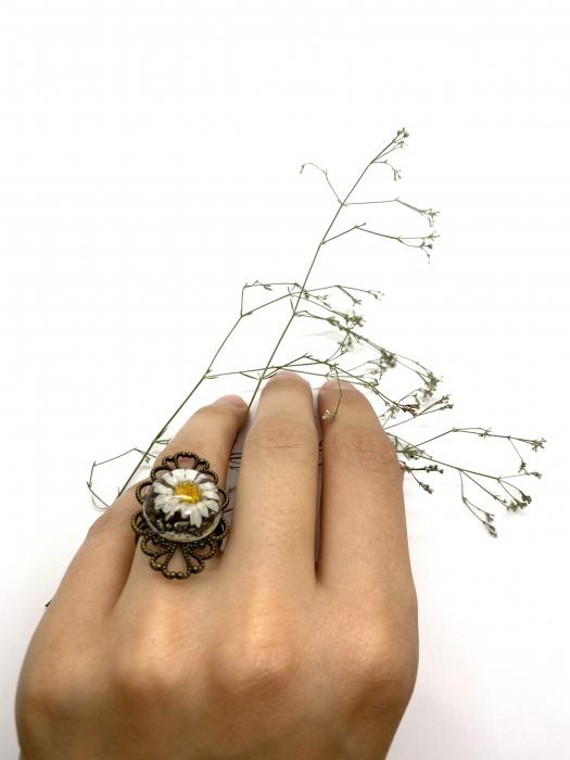 Inel cu flore de margareta cercercei [8]