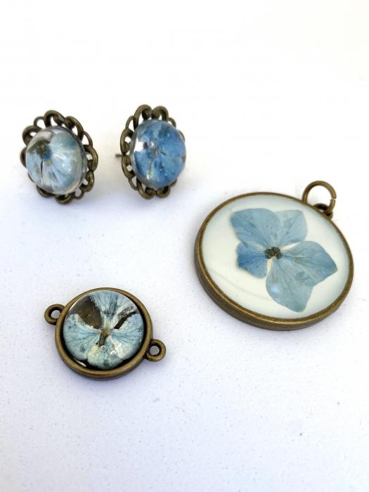 Set bijuterii cu hortensii cercercei 0