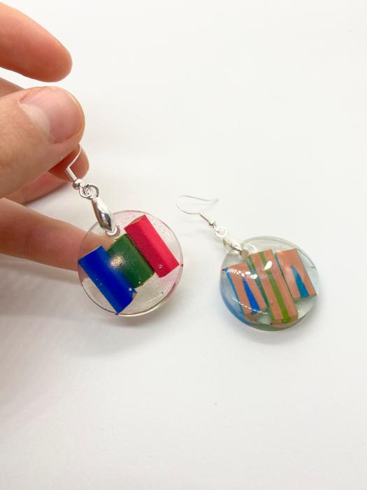 Cercei in forma de cerc cu creioane colorate din argint [4]