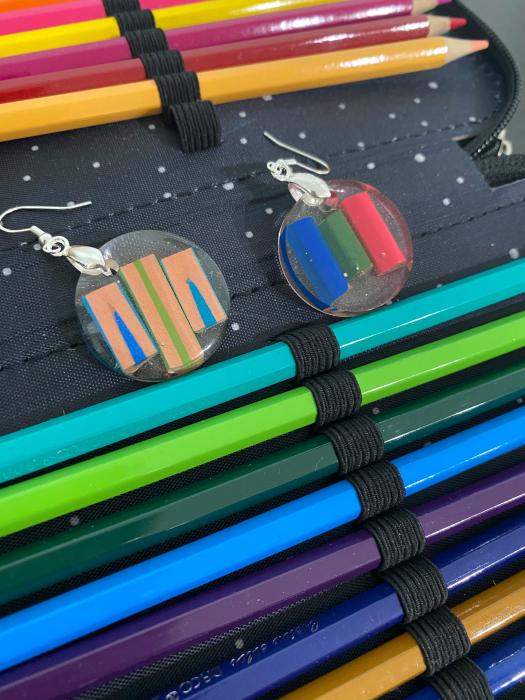 Cercei in forma de cerc cu creioane colorate din argint [12]
