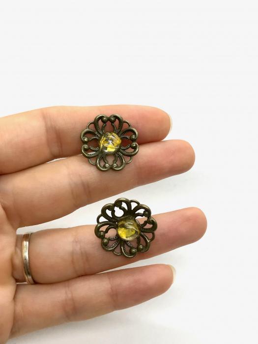 Cercei cu flori galbene 5