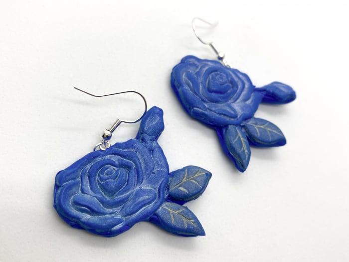 Cercei cu trandafiri albastri - handmade 4