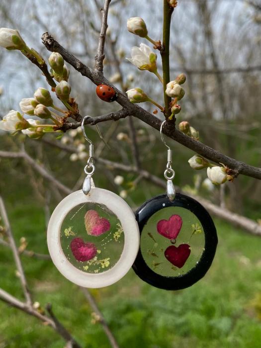 Cercei cu inimoare din petale de trandafir 5