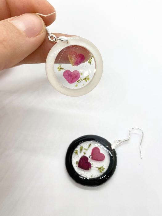 Cercei cu inimoare din petale de trandafir 3