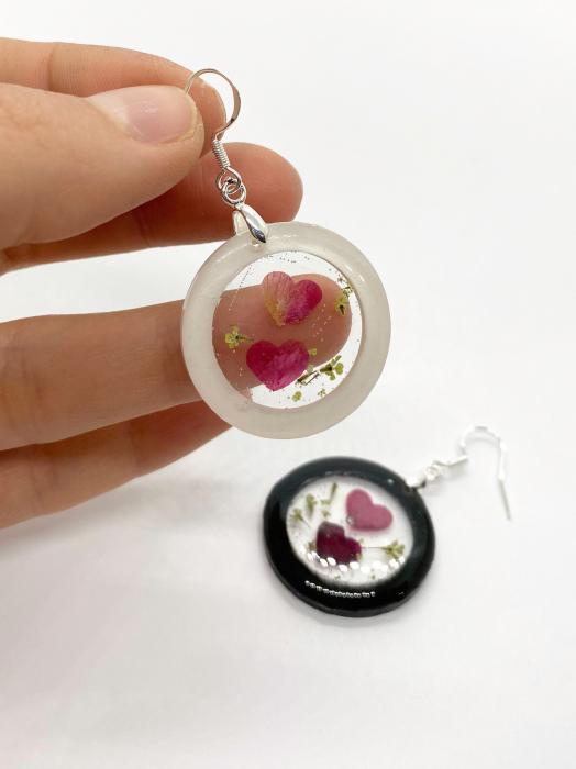 Cercei cu inimoare din petale de trandafir 2
