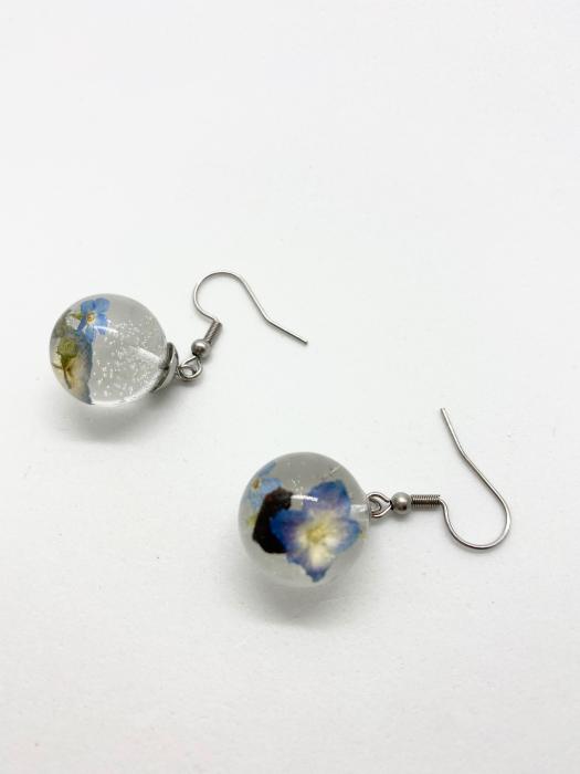 Cercei sfere cu hortensii handmade 3