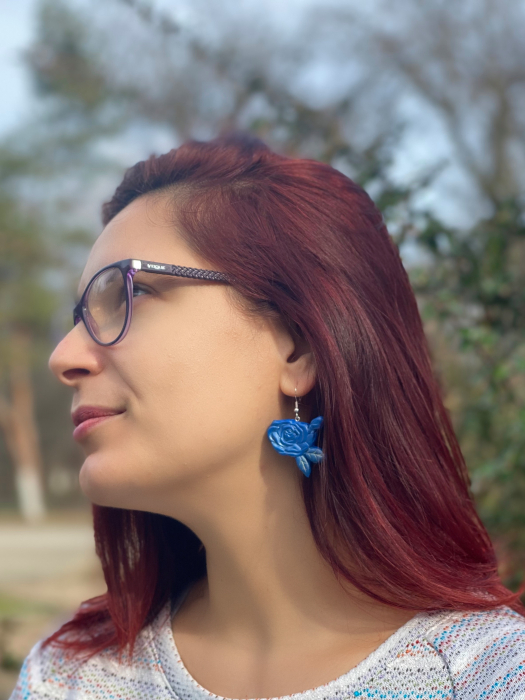 Cercei cu trandafiri albastri - handmade 9
