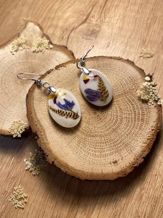 Cercei cu viorele si frunze de feriga - Cercei Handmade 3