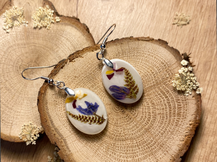 Cercei cu viorele si frunze de feriga - Cercei Handmade 4
