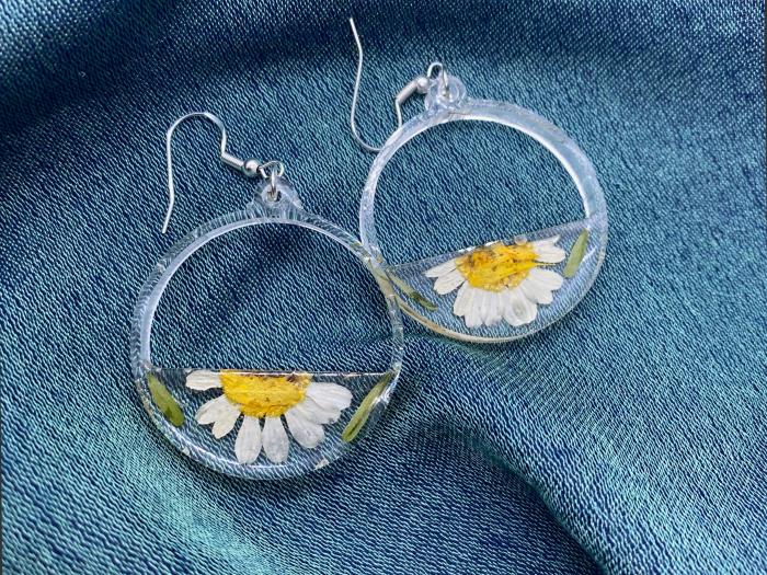Cercei din argint cu petale si flori de margarete [4]