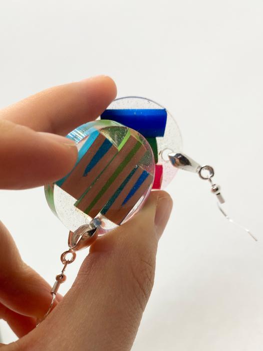 Cercei in forma de cerc cu creioane colorate din argint [2]