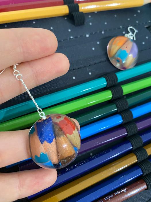 Cercei cu creioane colorate din argint 10