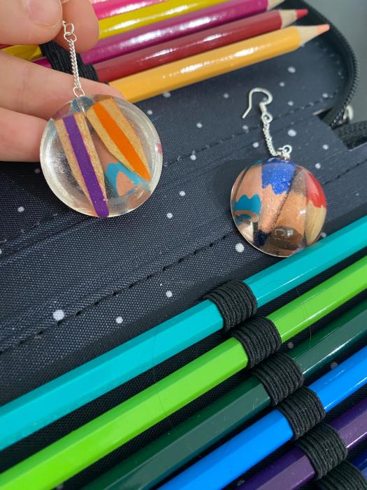 Cercei cu creioane colorate din argint 7