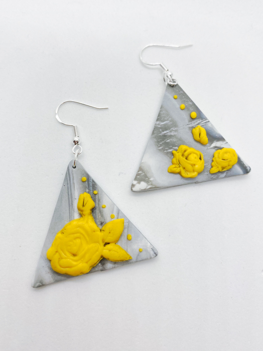 Cercei cu trandafiri galbeni handmade 1