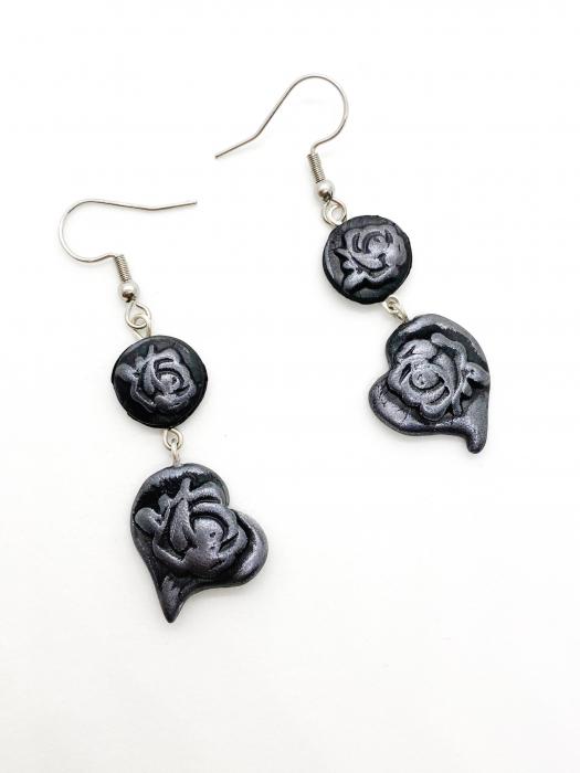 Cercei cu trandafiri gri handmade 2