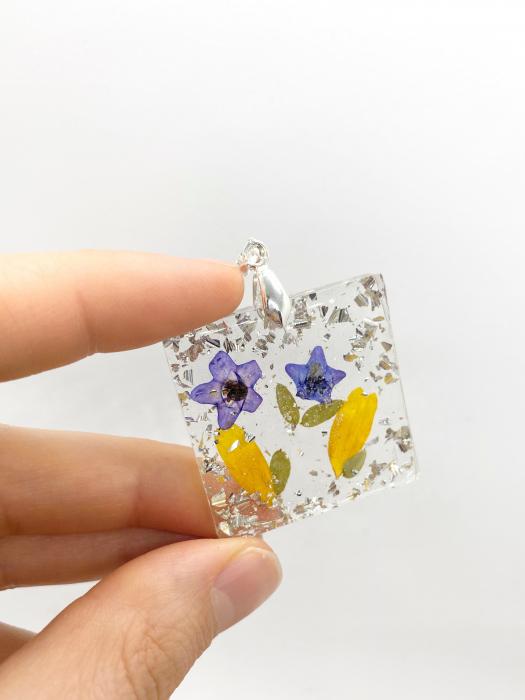 Pandantiv cu flori de primavara [1]