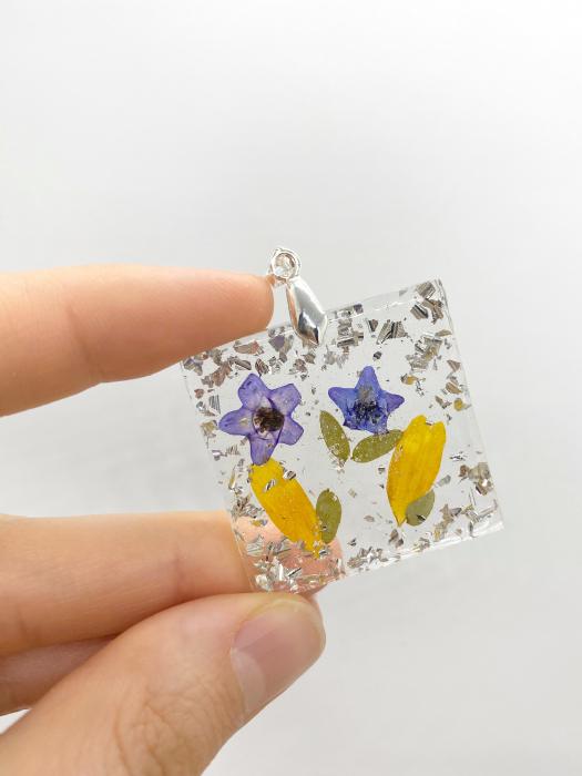 Pandantiv cu flori de primavara [4]