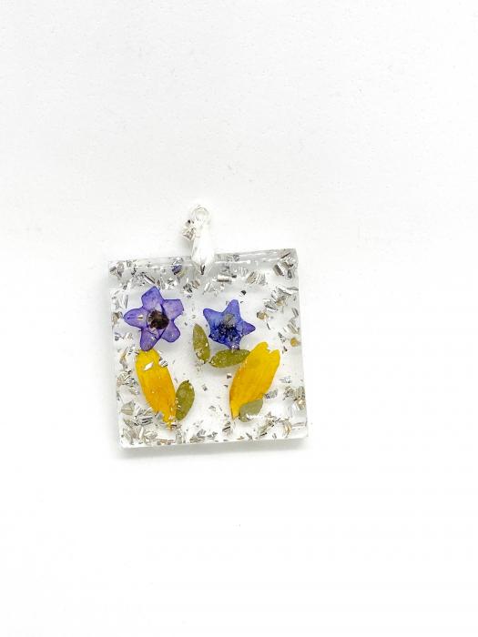 Pandantiv cu flori de primavara [0]