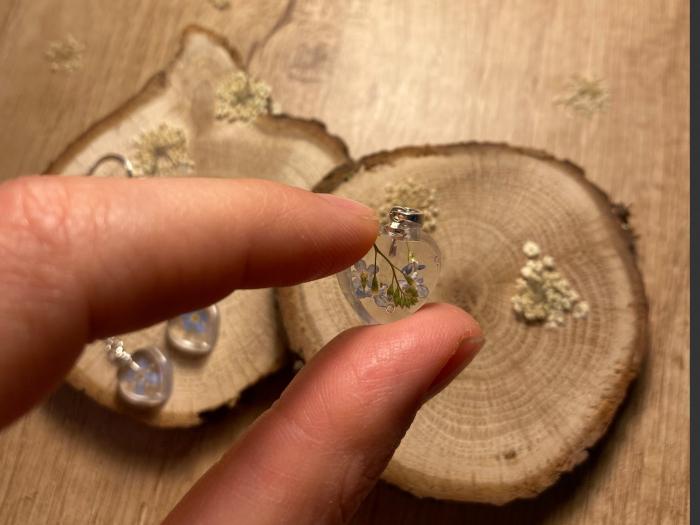 Set de bijuterii din rasina cu flori de nu ma uita 4