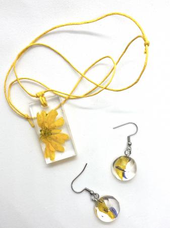 Set cu flori galbene1