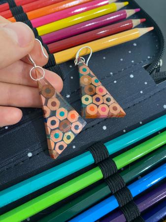 Cercei in forma de triunghi cu creioane colorate din argint [6]