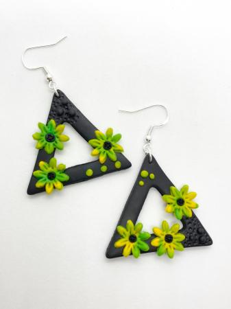 Cercei triunghiulari cu flori0