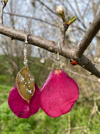 Cercei cu frunza si petele de trandafiri handmade [11]