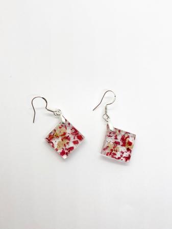 Cercei cu petale de rosii si albe [1]