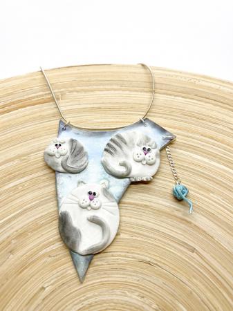 Colier cu pisici haioase2